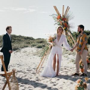 Strand ceremonie duurzaam trouwen