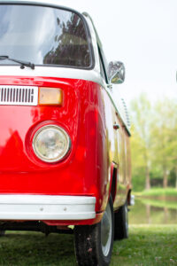 rode volkswagenbus
